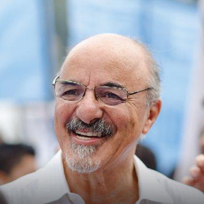 Carlos A. Tomada